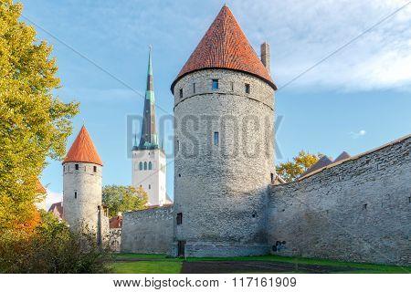 Tallinn. The fortress wall.