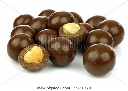 Chocolate balls filled with hazelnuts
