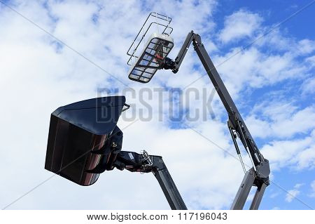 Loader bucket and lift platform