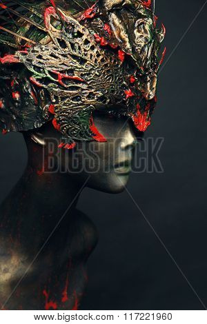Mannequin in head wear with spikes