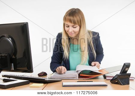 The Hr Professionals To View The Personal Files Of Employees In The Folder