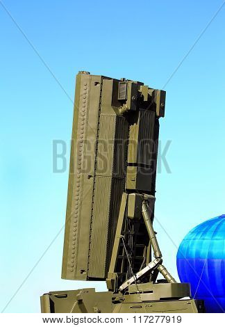 MOSCOW REGION - AUGUST 27: All-around antenna for air defense complex on a rotating platform on August  27, 2015 in Moscow region