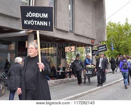 Independence Day Protesters, Reykjavik