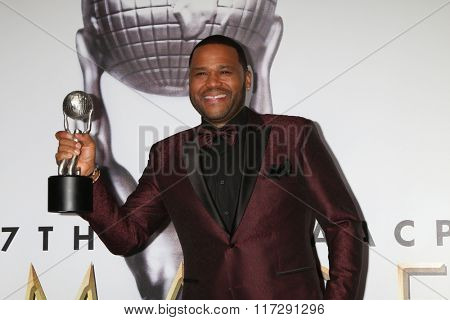 LOS ANGELES - FEB 5:  Anthony Anderson at the 47TH NAACP Image Awards Press Room at the Pasadena Civic Auditorium on February 5, 2016 in Pasadena, CA