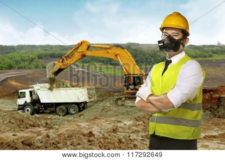 Asian Worker Wear Safety Vest And Helmet