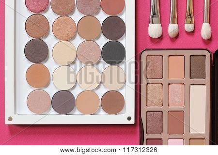 professional set for trendy natural eye makeup.