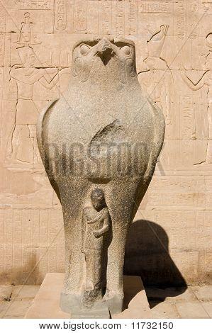 Horus with Pharaoh statue