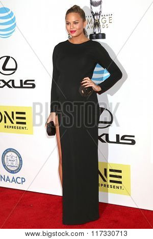 LOS ANGELES - FEB 5:  Chrissy Teigen at the 47TH NAACP Image Awards Arrivals at the Pasadena Civic Auditorium on February 5, 2016 in Pasadena, CA