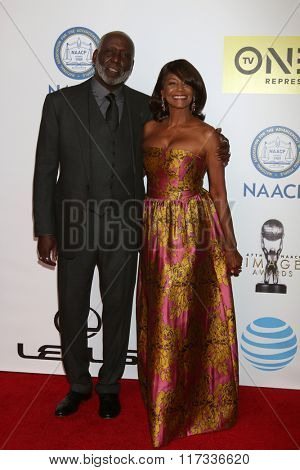 LOS ANGELES - FEB 5:  Richard Roundtree, Margaret Avery at the 47TH NAACP Image Awards Arrivals at the Pasadena Civic Auditorium on February 5, 2016 in Pasadena, CA