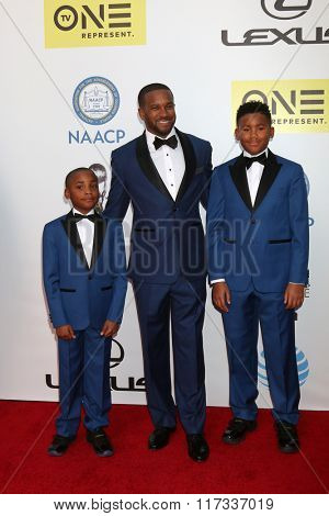 LOS ANGELES - FEB 5:  Rev Dr Howard-John Wesley at the 47TH NAACP Image Awards Arrivals at the Pasadena Civic Auditorium on February 5, 2016 in Pasadena, CA