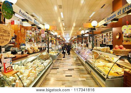 GENEVA, SWITZERLAND - NOVEMBER 18, 2015: interior of La Halle de Rive. Halle de Rive is indoor food market in Geneve, Switzerland.