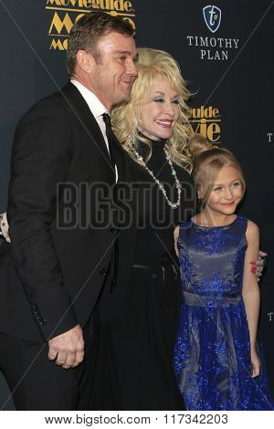 LOS ANGELES - FEB 5:  Ricky Schroder, Dolly Parton, Alyvia Alin Lind at the 24th Annual MovieGuide Awards at the Universal Hilton Hotel on February 5, 2016 in Los Angeles, CA
