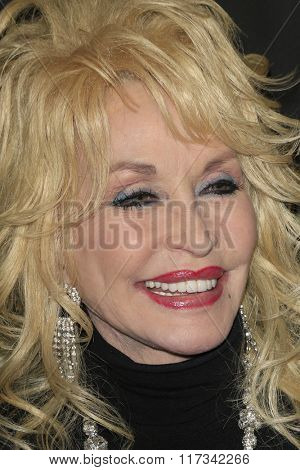 LOS ANGELES - FEB 5:  Dolly Parton at the 24th Annual MovieGuide Awards at the Universal Hilton Hotel on February 5, 2016 in Los Angeles, CA