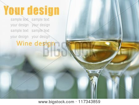 Wineglasses with white and red wine