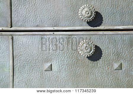Varese   Rusty Brass Brown Knocker In A  Door   Sumirago