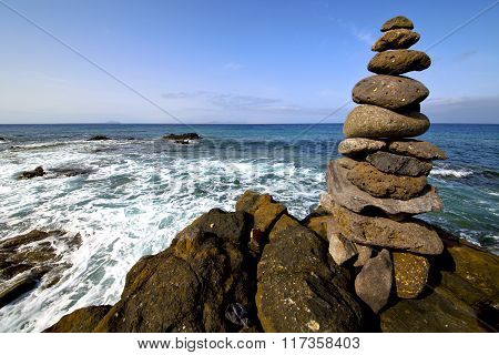 Lanzarote Coastline  Froth   Pond  Rock Sky Cloud Beach     Musk  And Summer