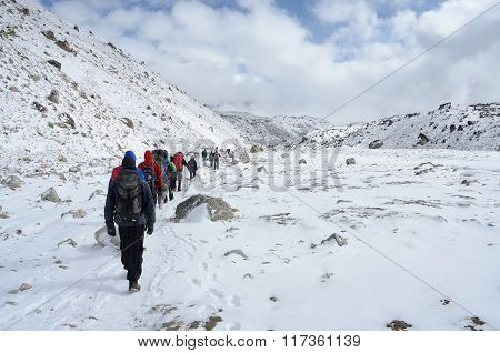 travelers going to first Everest Base camp