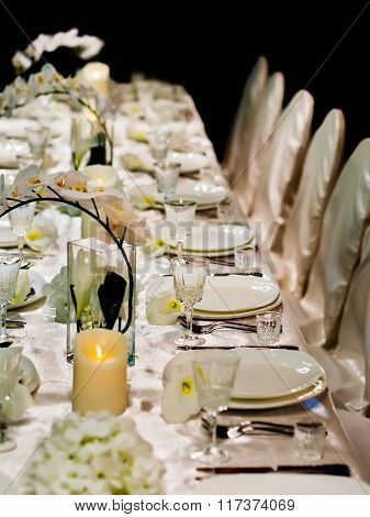 Beautiful table setting for wedding