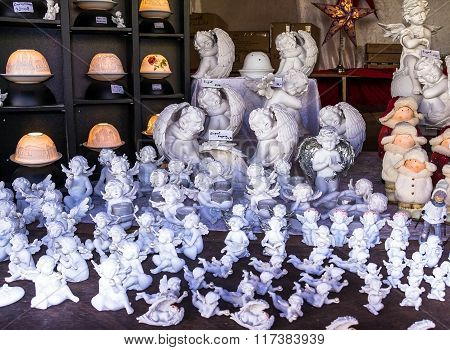 Amazing Cute White  Clay Ceramic Angel Sculptures Figures Sold In Outdoor ?hristmas Market