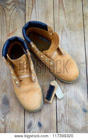 old yellow leather boots cleaning