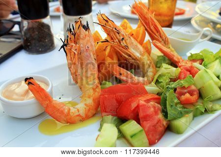 Grilled Prawns And Vegetable Salad