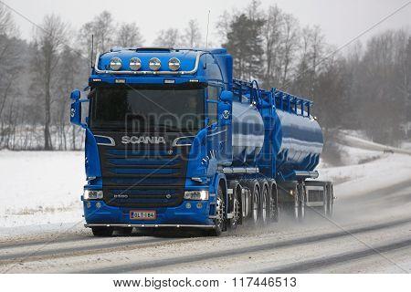 Blue Scania R580 Euro 6 Tank Truck In Winter