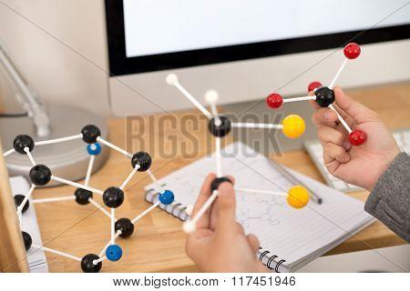 Making molecular model