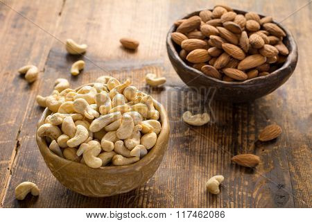 Cashews and almonds in bowl