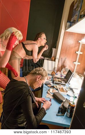 Transgender videoshoot backgstage