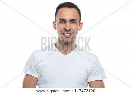 Brunette man smiling, veneers