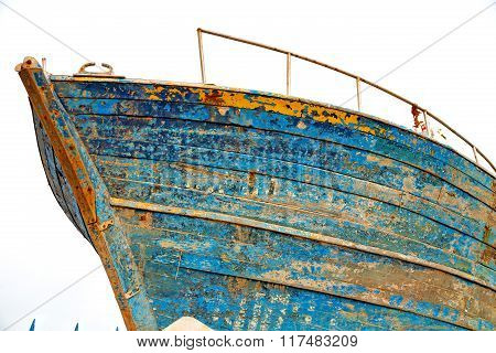 Boat   In   Africa     Old   And  Abstract Pier