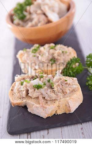 bread with meat spread