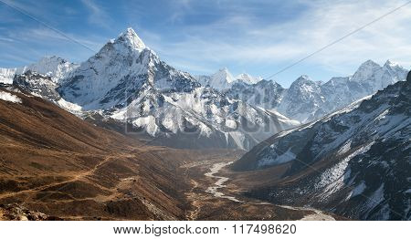 Mount Ama Dablam With Beautiful Sky