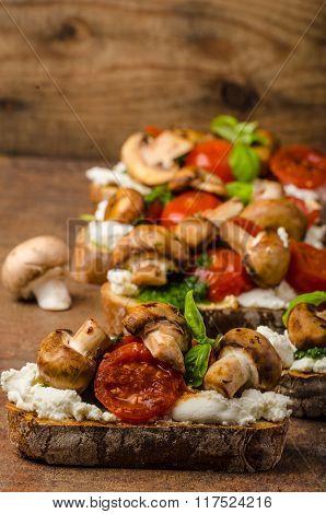 Toasted Bruschetta With Riccotta And Pesto