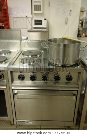 Professional Cooking Range With Pot