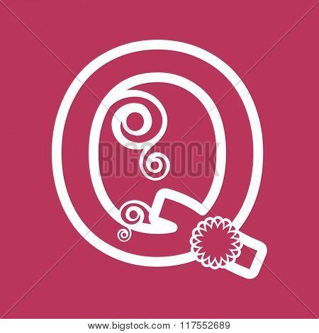 ornamental letter Q