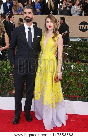 LOS ANGELES - JAN 30:  Hamish Linklater, Lily Rabe at the 22nd Screen Actors Guild Awards at the Shrine Auditorium on January 30, 2016 in Los Angeles, CA