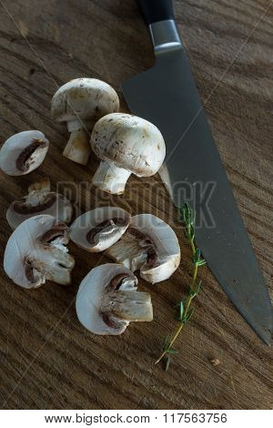 Organic Raw Button Mushrooms