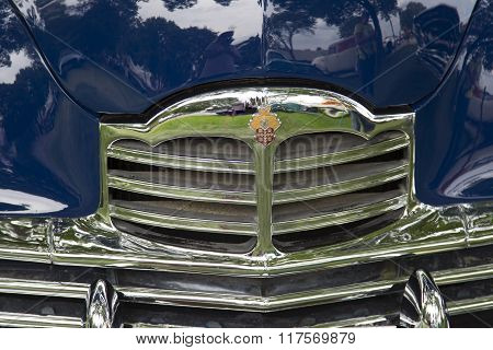 1949 Packard Blue Car Grill View