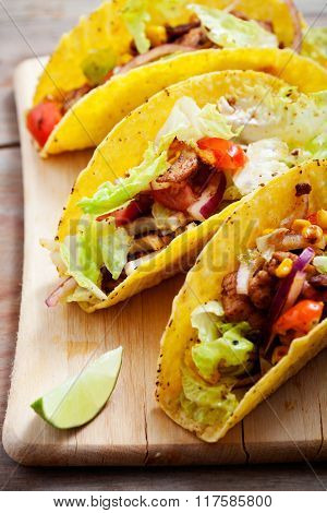Fresh Mexican tacos with spicy chicken