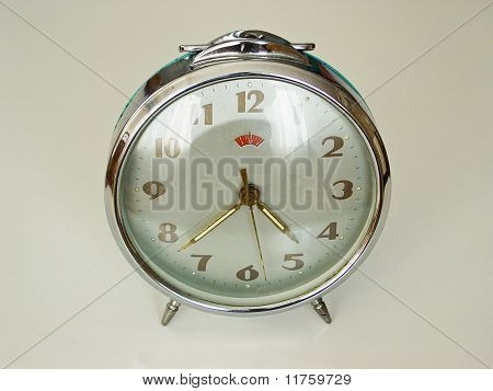 old windup clock