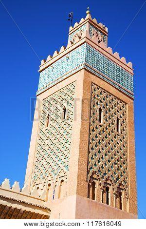 Maroc   Minaret And The Blue    Sky