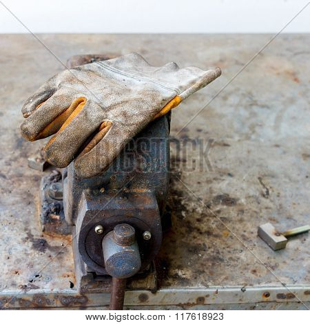 Glove Safety For Industrial Job