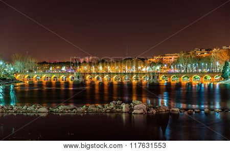 Joubi Bridge On The Zayanderud River In Isfahan - Iran