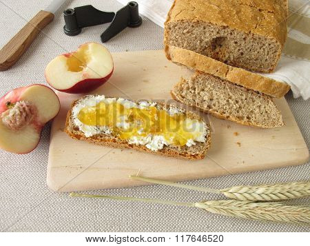 Bread from bread maker with fruit spread