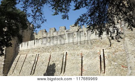 medieval fortress of são jorge in lisbon portugal