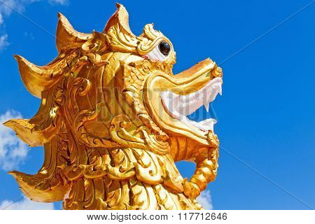 Sculpture Dragon With Sky
