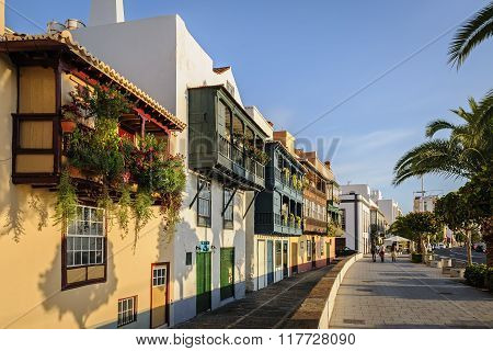 SANTA CRUZ DE LA PALMA, SPAIN -JANUARY 17, 2016: Famous houses with colorful balconies on the waterfront of Santa Cruz in the early morning