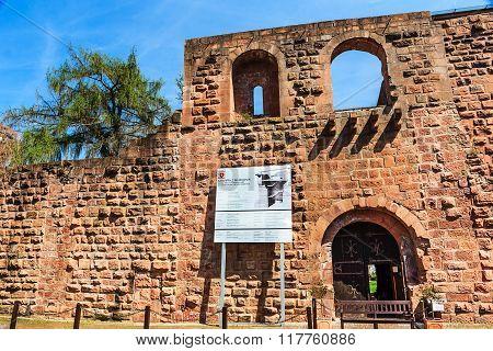 Remains Barbarossa castle Kaiserpfalz Gelnhausen founded in 1170 by Emperor Frederick Barbarossa, Ge