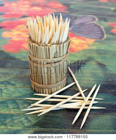 Toothpicks in straw stand